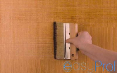 La tecnica del dragging per creare l'effetto rigato sulle pareti
